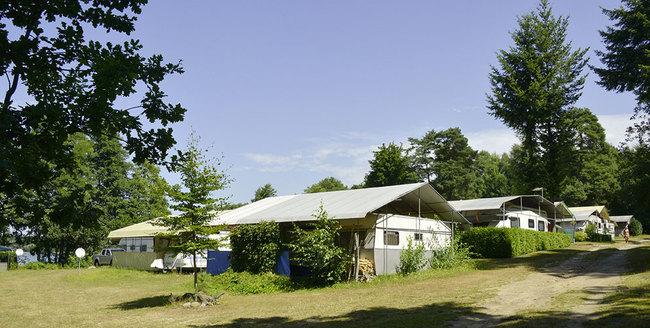 Dauercamper auf dem Familencampingplatz