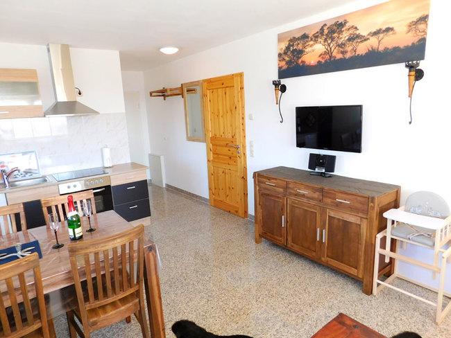 Fewo Denny - Wohnraum mit Küche