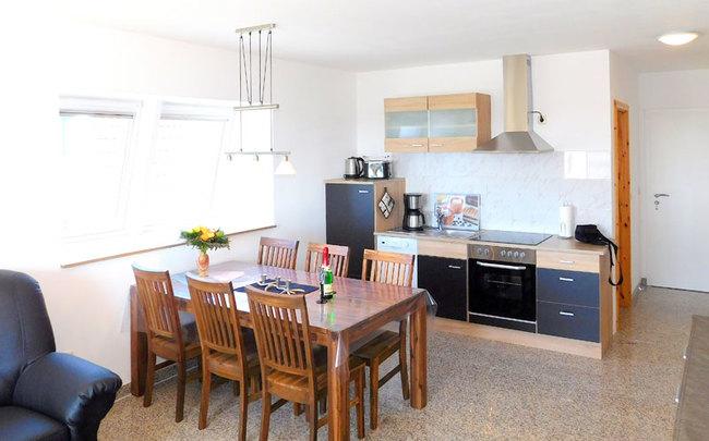 Fewo Denny - Wohnküche mit Esstisch
