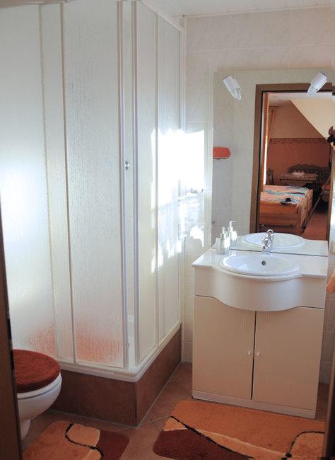 Zimmer Blick Schwerin mit Balkon - Bad