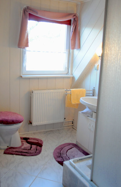 Zimmer Blick Schwerin ohne Balkon - Bad