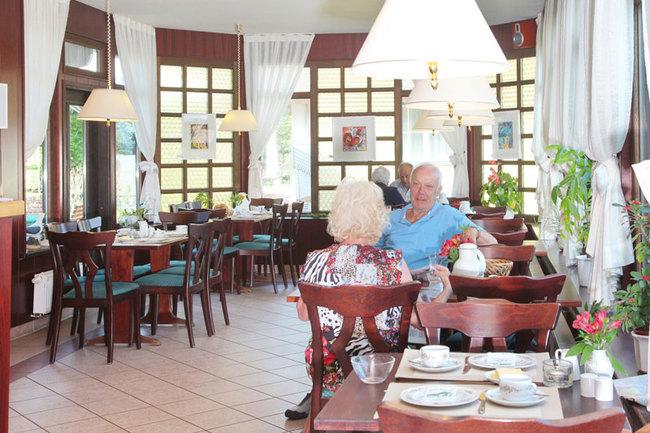 Café & Restaurant - Innenansicht