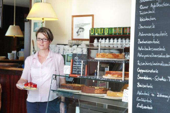 Café & Restaurant - Kuchenvitrine