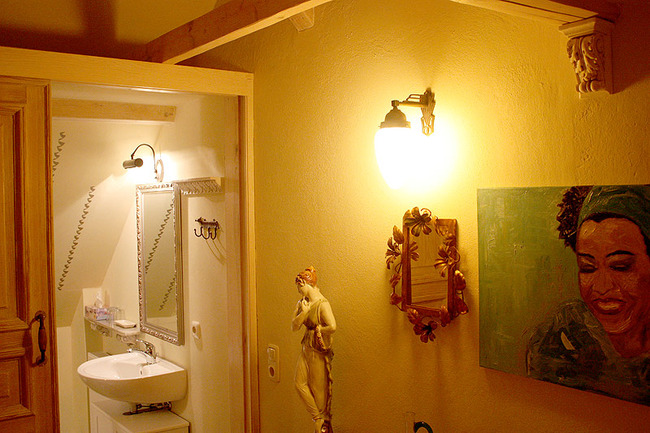 fewo-flur-badezimmer