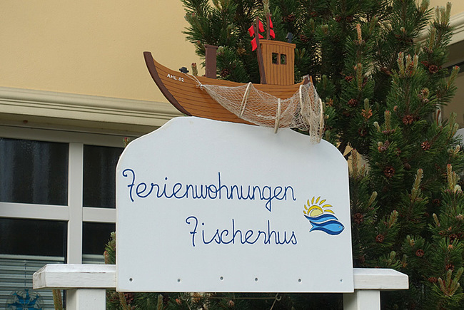 Schild Ferienwohnungen Fischerhaus