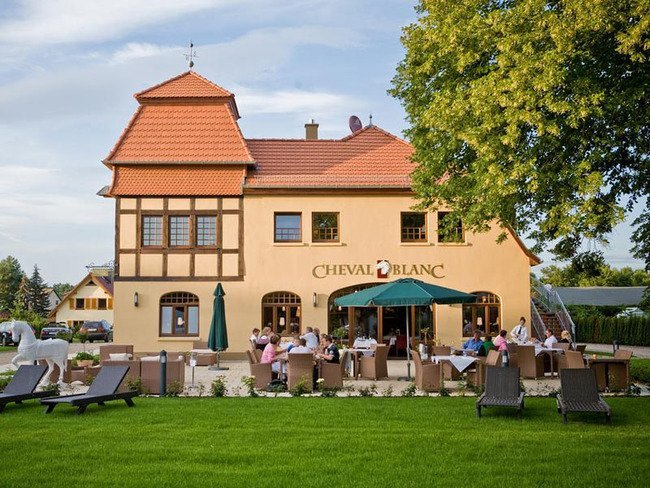 """Restaurant """"Cheval Blanc"""" am Schlosshotel Wendorf"""