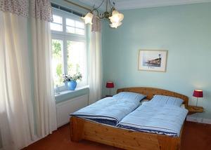 schlafzimmer-wohnung-fewo-4