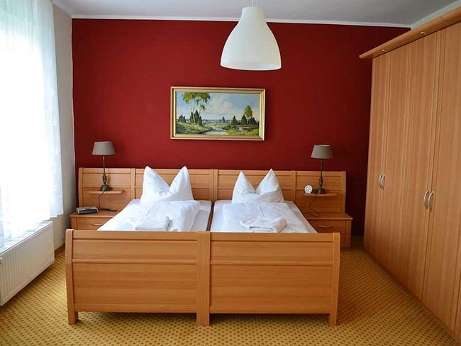 schlafzimmer-wilhelmine-fewo-unten