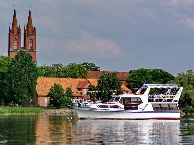 """MS """"Condor"""" Fahrgastschifffahrt Dobbertin"""
