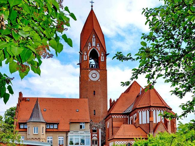 Maria-Rosenkranz-Königin-Kirche Demmin