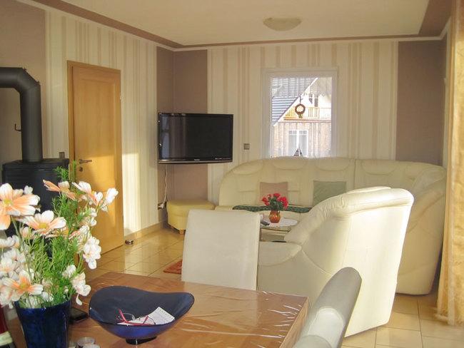 Ferienhaus- Couchecke mit TV