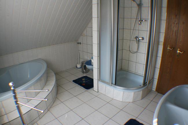 badezimmer-gaestezimmer-janke