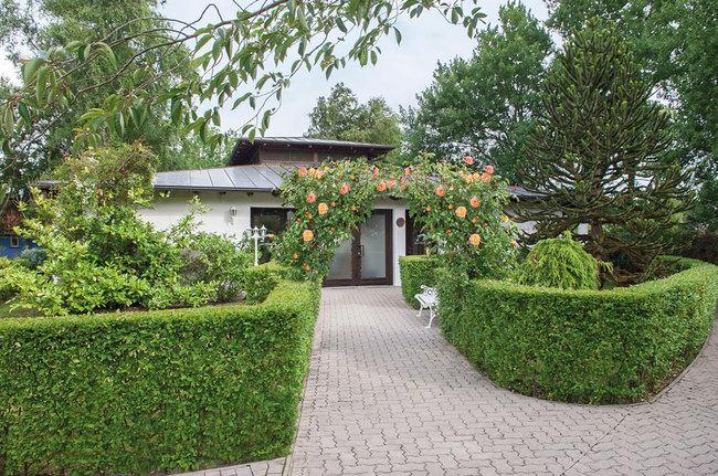 Zugang zu den Gartensuiten