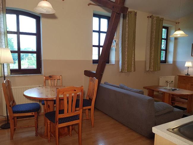 Fewo 7 - Wohnbereich mit Essplatz