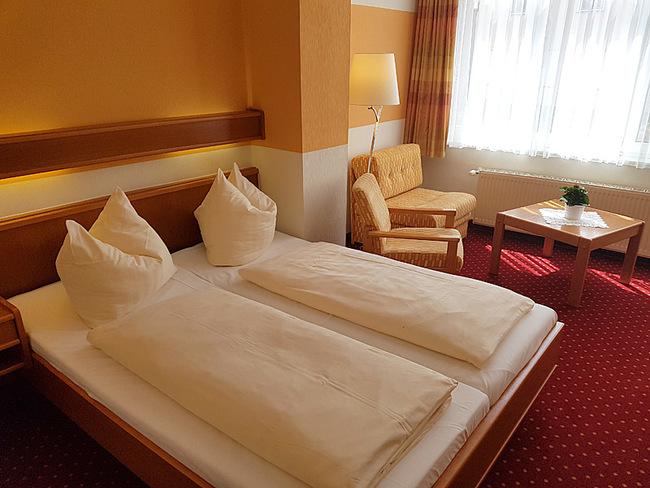 Doppelzimmer mit Bett & Sitzecke