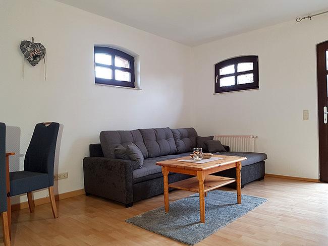 Fewo 4 - Wohnraum mit Eckcouch
