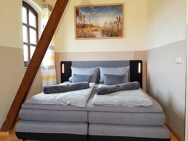 Fewo 10 - Wohnraum mit Doppelbett