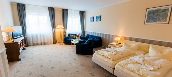Wohnbereich Familienzimmer 203