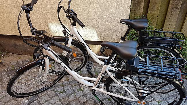 E-Bikes der Marke Jeep